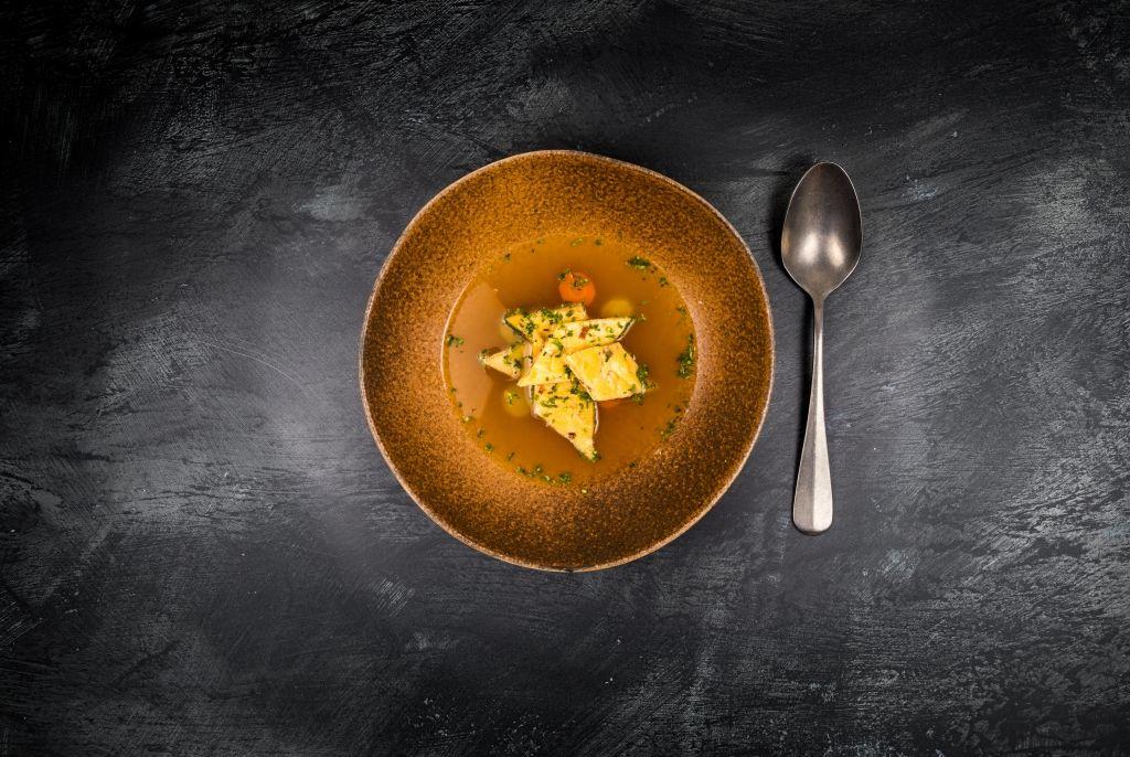 Gemüsesuppe mit Lammschinken-Schöberln
